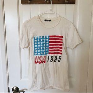 USA T-shirt size small